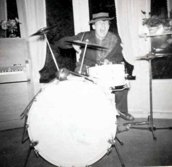 1955_drummer_ed_hortln_7