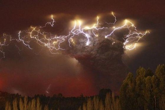 Tornado met bliksem...!