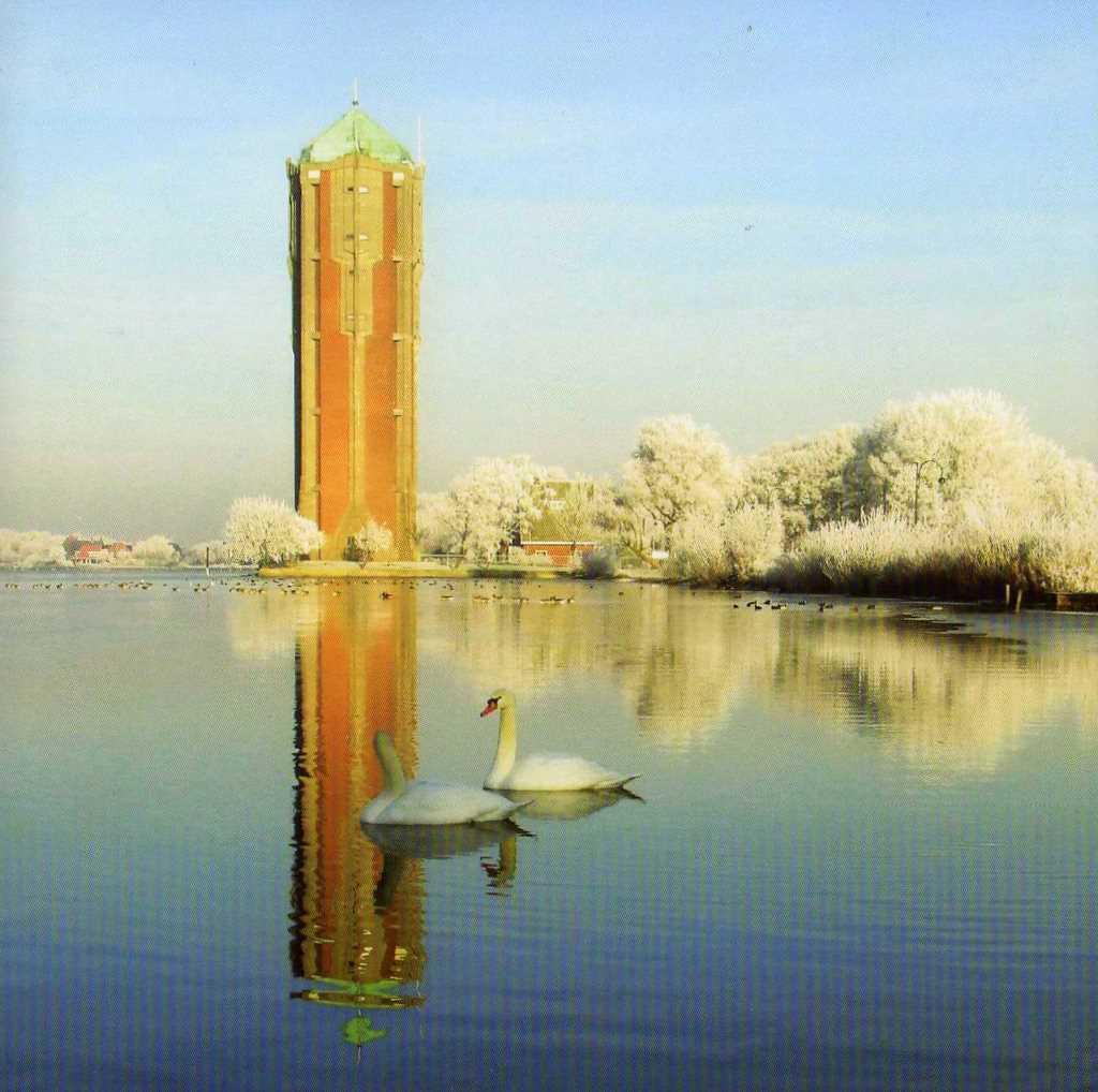 Pleidooi voor onze prachtige watertoren mantelpower - Zwembad toren ...