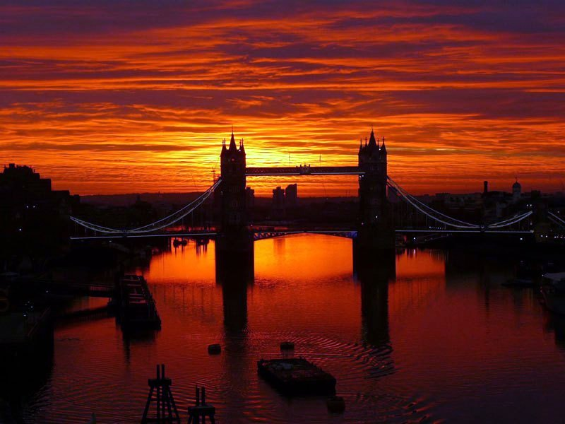 sunrise-over-tower-bridge-london-england-001