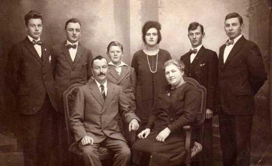 1923 opa Klaas en oma Maatje 25 jaar getrouwd