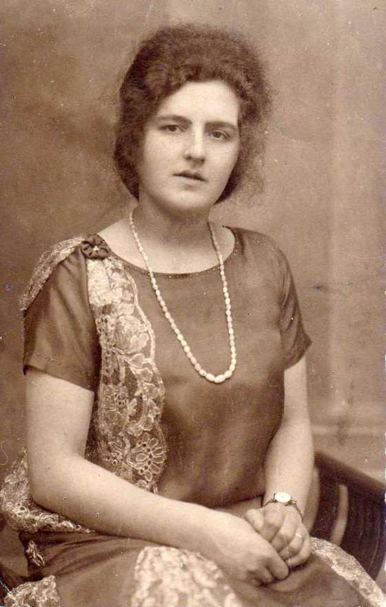 1925 Maatje Mantel
