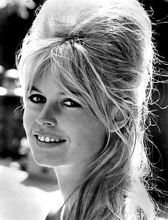 330px-Brigitte_Bardot_-_1962