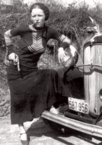 330px-bonnieparkercigar1933